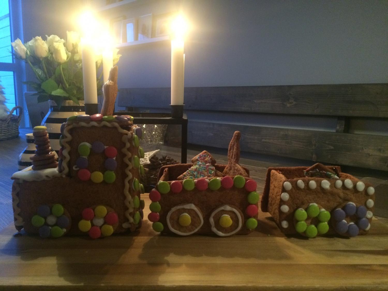 Frubevershverdag Jul pepperkake tog O, jul med din «glede» ...