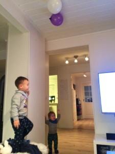 ..men noen ville ha ballongen sin ned igjen!