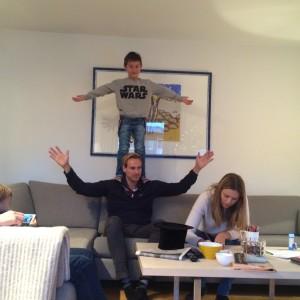 Daniel og onkel Øystein øver på triks!