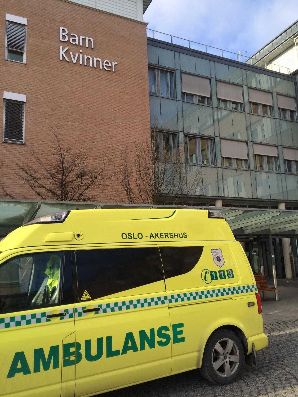 Hentet i ambulansen [FruBeversHverdag] 🚑
