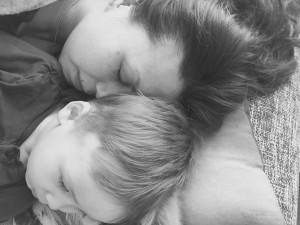 Vi er gærne - vi sover midt på dagen 💤