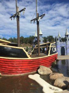 Båter med hinderløype for å komme seg på ☠