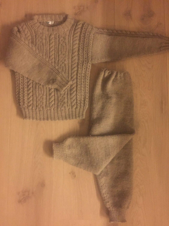 Mammas hjemmestrikkede genser (legg opp bare 70 masker foran