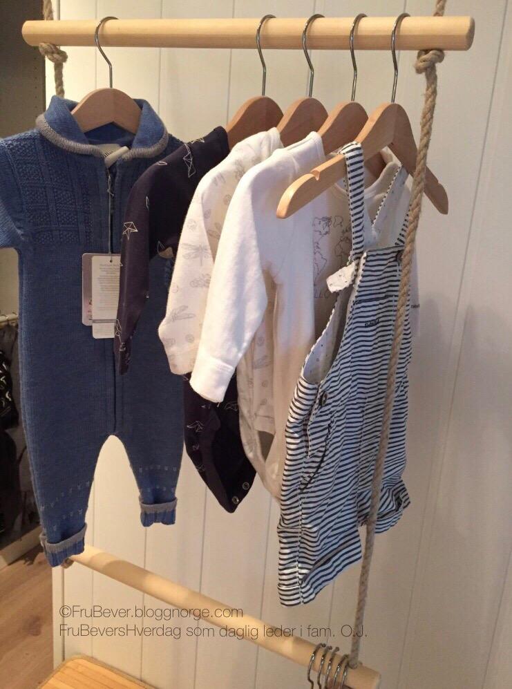 Sommerklær og for små klær er pakket bort og høstklær er funnet frem! #ordningogreda !