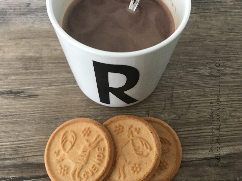 ...først søvn, så cappuccino og facoirttkjeksen til frokost! #hverdagslykke