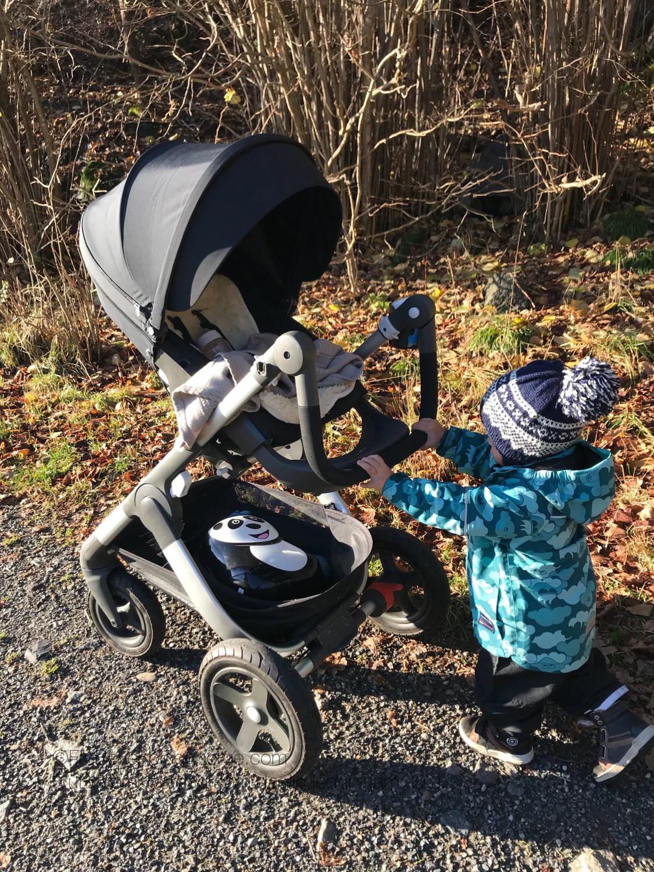 Opplevelsestur i skogen med barn // blir ikke mee moro enn man gjør det til selv! #skogssafari