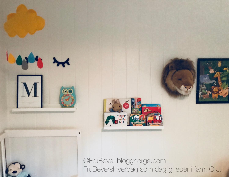 FruBeversHverdag interiør tips inspo: bildelister! - på barnerommene. Like fine til bøker, som bilder!