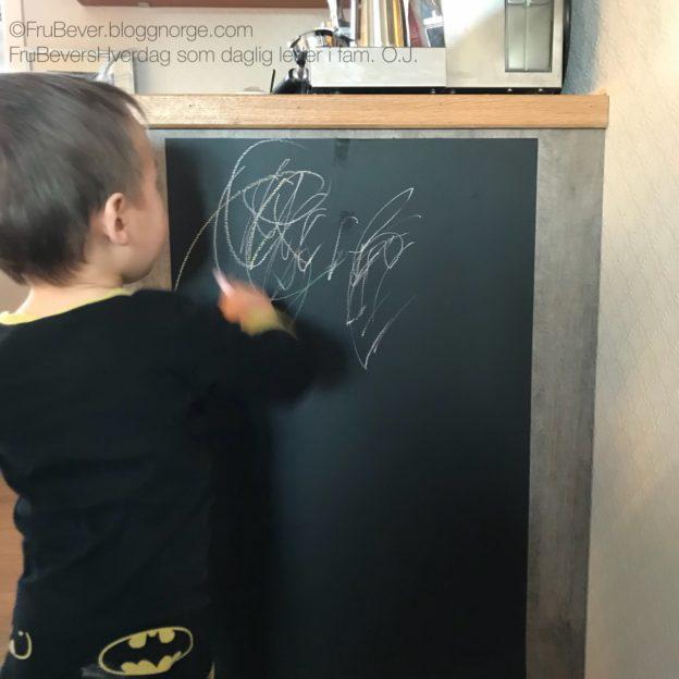 DIY Tavlemaling kritt tavle barn Frubevershverdag