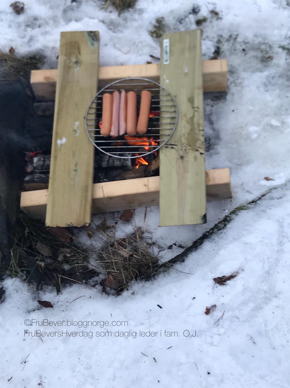 FruBeversHverdag // ukesmeny for kresne barn middag ute i snøen