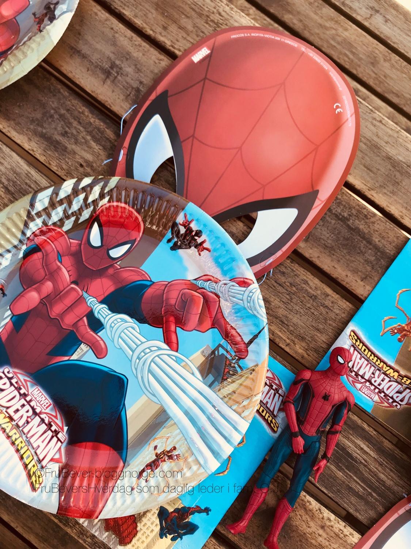 Frubevershverdag // Partyking bursdag tema Spiderman