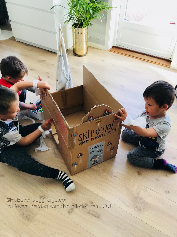 Inspirert av Øisteins pappeske / DIY barn sjørøverskute
