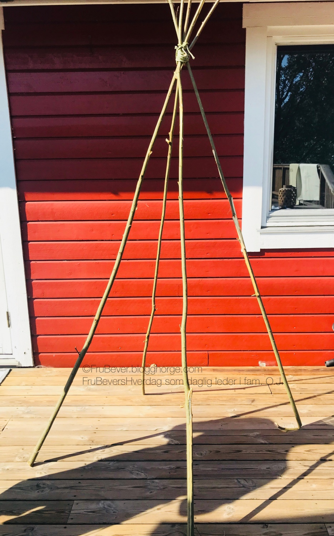 Højmoderne DIY // TIPI TELT på budsjett på 30 minutter ! •   FruBevers TL-25