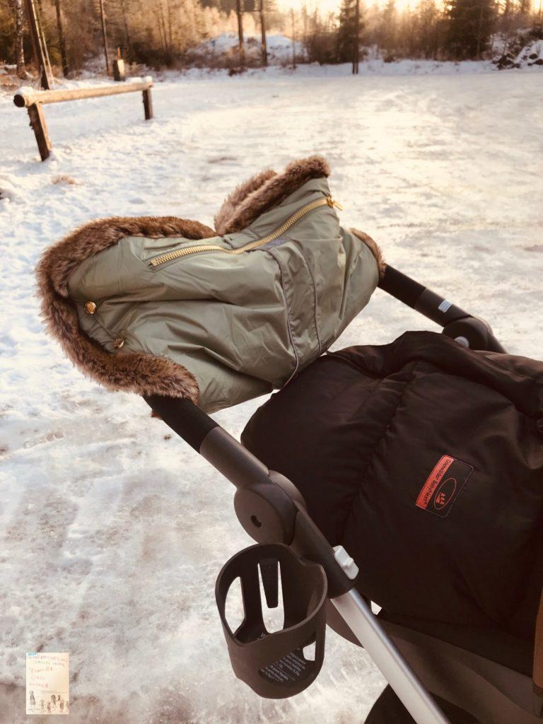 Vinter og Bloom Chic håndmuffe til vogn
