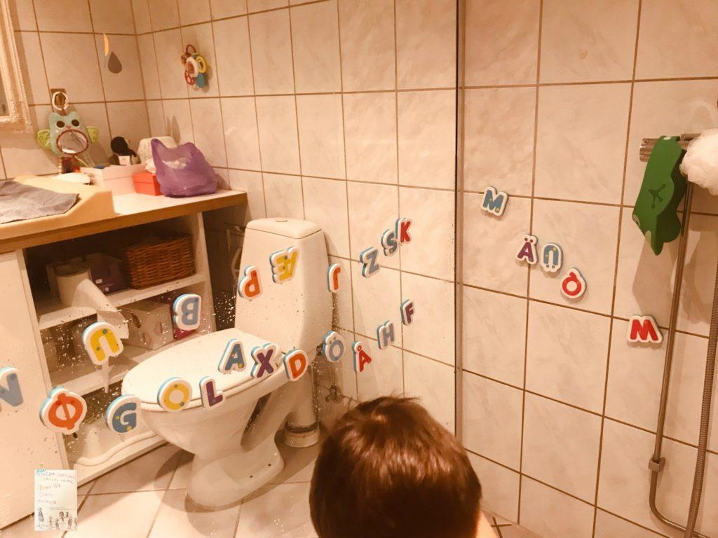 lek og lær alfabetet mens du dusjer @frubevershverdag