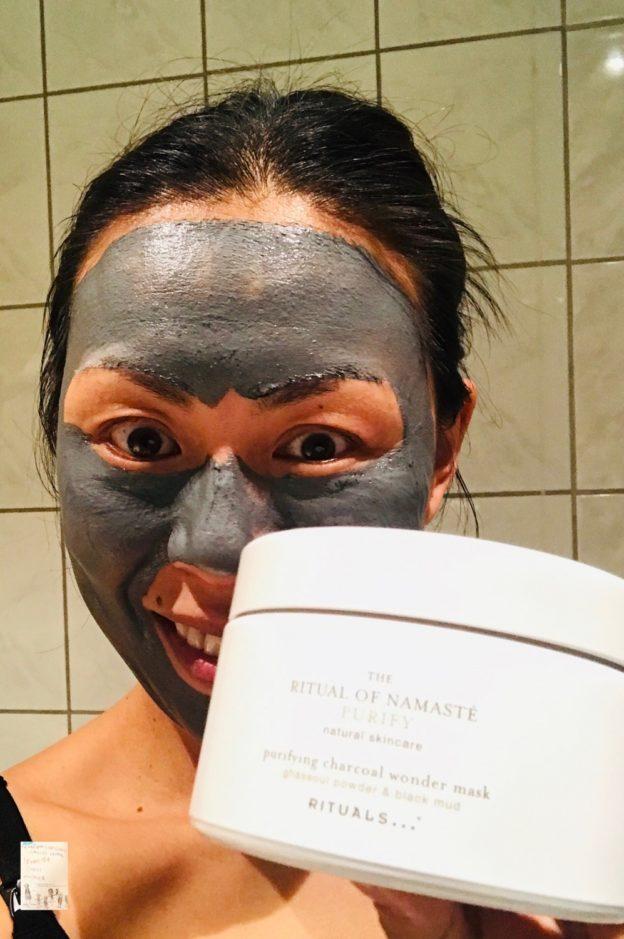 Rituale of namaste // Charcoal Wonder mask