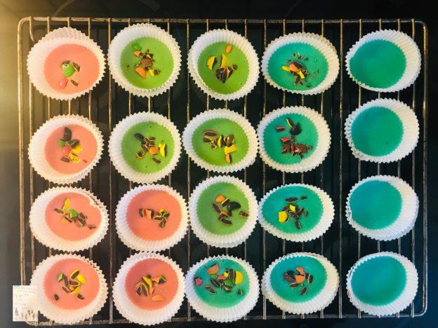 Vi eksperimenterte med farger og muffins!