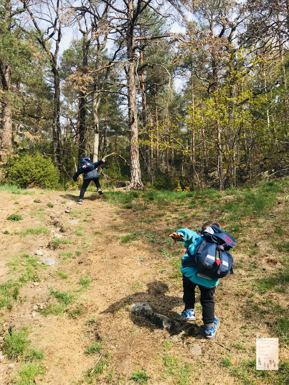 Helg med miniklanen // nærområdet skogen Skansen