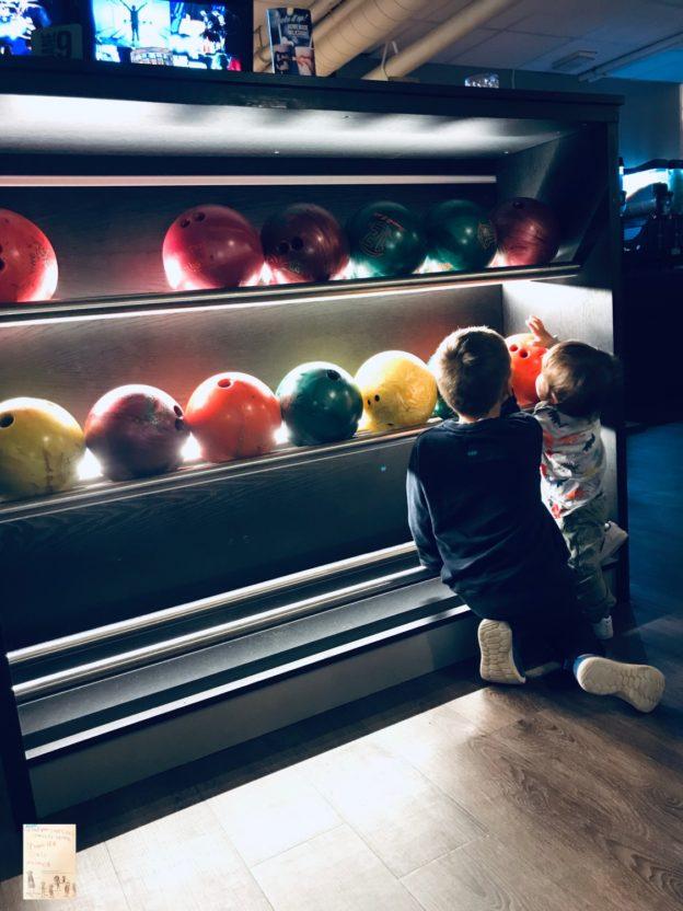 Disco bowling med miniklanen 🎳