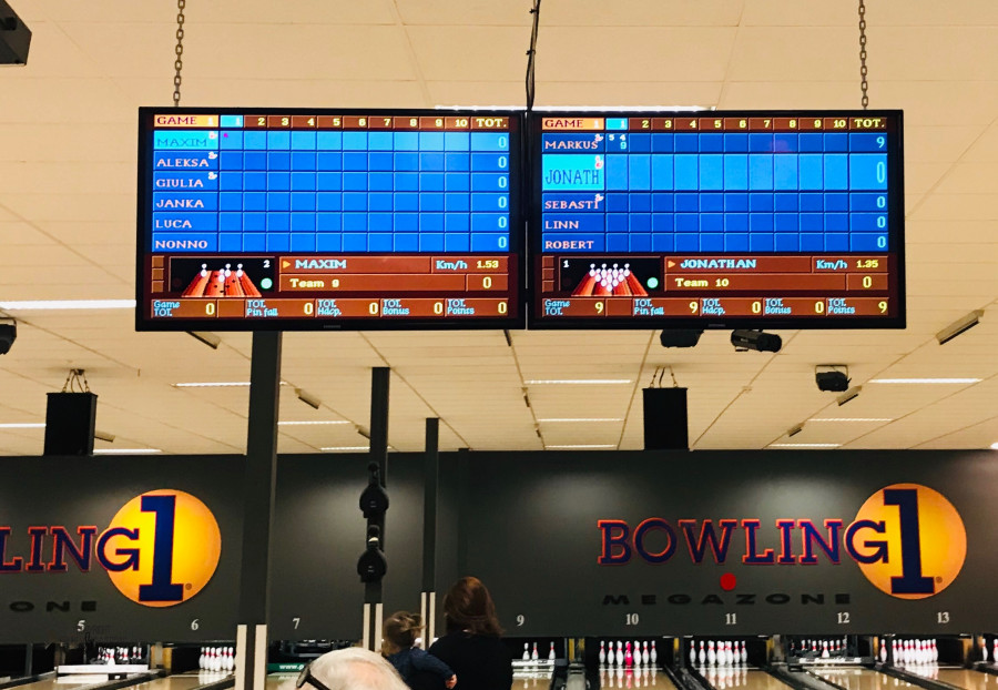 Bowlinglørdag med gode venner @FruBeversHverdag
