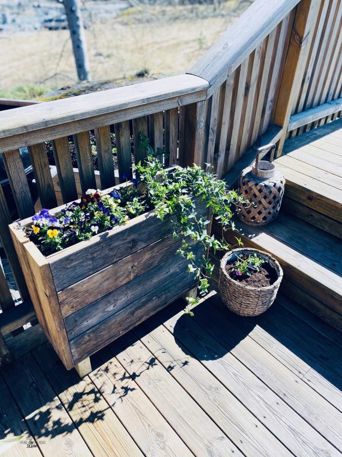 DIY blomsterkasser med restemateriell [FruBeversHverdag]