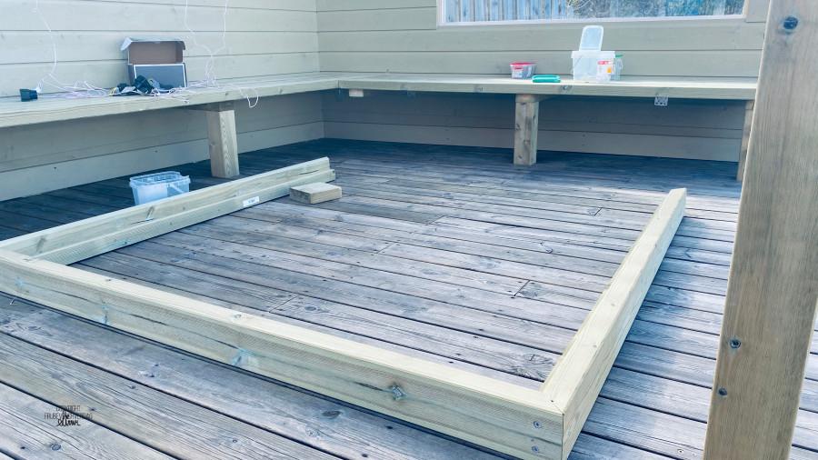 DIY spisebord til uteområdet // barnevennlig pergola [FruBeversHverdag]