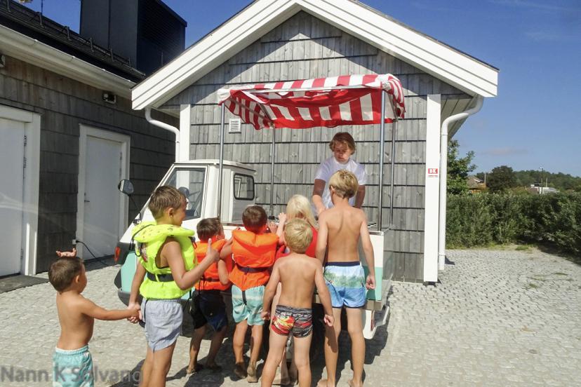 Skalldyrsfat på stranden med #familiesuppa 😍 [FruBeversHverdag]