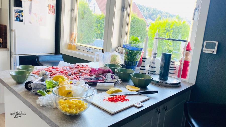 Blomkålris bowl med reker og mango 😋 - oppskrift Lise Finckenhagen [FruBeversHverdag]