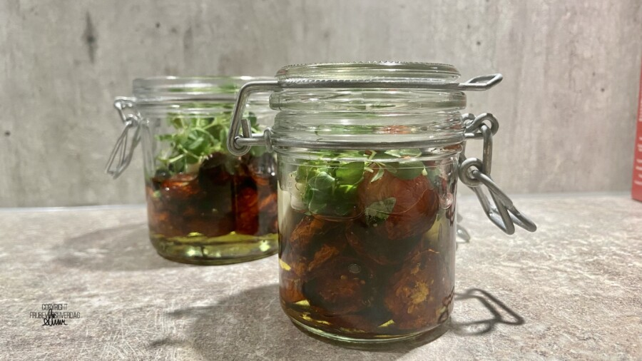 DIY soltørkede (ovnstørkede) tomater - FruBeversHverdag